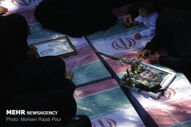 ورود پیکرهای مطهر ۹ شهید گمنام و یک شهید مدافع حرم به کرمان