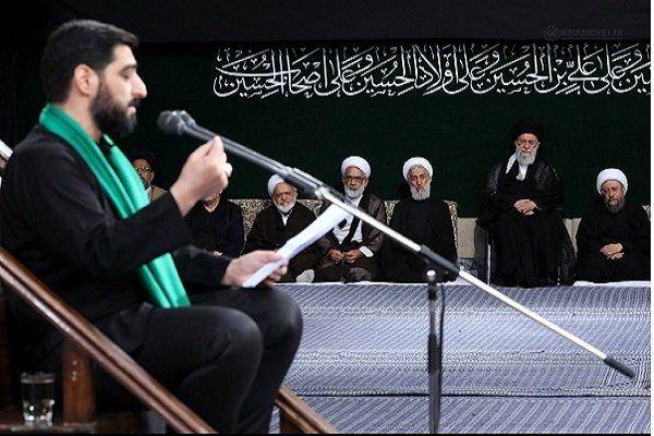 حسینیہ امام خمینی (رہ) میں رہبر معظم انقلاب اسلامی کی موجودگی میں مجلس عزا منعقد