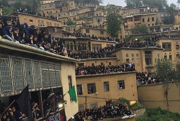 برگزاری آیین ۸۰۰ ساله در ماسوله/ مراسم علم بندان برگزار شد