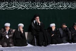 إقامة مراسم العزاء الحسيني بحضور قائد الثورة الاسلامية /صور