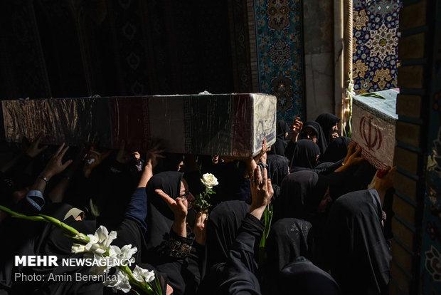 تشییع پیکر 9 شهید گمنام در شیراز