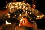 حاجاتی که در پای«هفت منبر» روا می شوند/سوگ شمع ها در عزای حسین(ع)