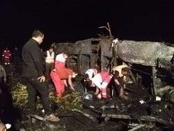 آغازعملیات شناسایی جان باختگان تصادف محور کاشان - نطنز در اصفهان