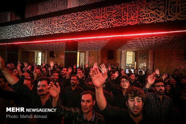 """مراسم العزاء بسيد الشهداء في حسينية """"اعظم"""" في زنجان"""