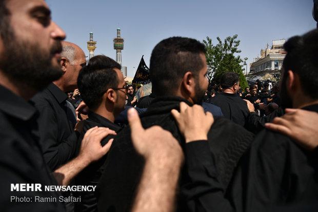مراسم عزاداری روز تاسوعای حسینی در حرم مطهر امام رضا(ع)
