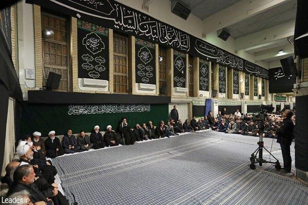 عاشور کی شب میں رہبر معظم انقلاب اسلامی کی موجودگی میں مجلس عزا منعقد ہوئی