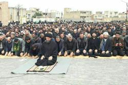 نماز ظهر عاشورا در مساجد و امامزادههای اردبیل برپا شد