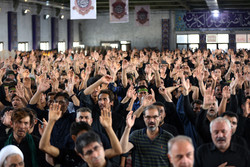 عزاداری خاص نایینیها در شب «بنیاسد»/ برگزاری تعزیهخوانی ۱۲ محرم