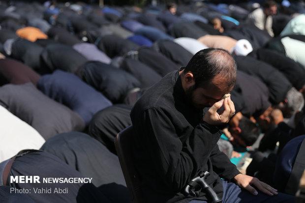 اقامه نماز ظهر عاشورا در تبریز