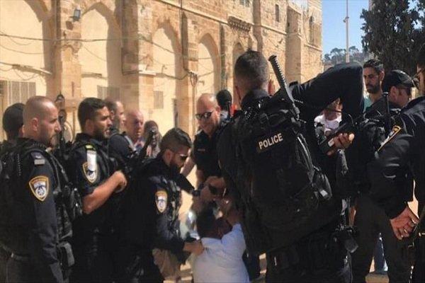 مواجهات بين فلسطينيين وشرطة الاحتلال الاسرائيلي بالاقصى
