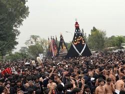 پاکستان میں آج نواسہ رسول حضرت امام حسین (ع) کا چہلم مذہبی عقیدت کے ساتھ منایا جارہا ہے