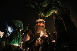عزاداری دسته سقاها در شب شام غریبان