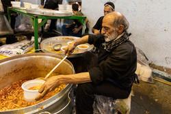 اطعام ۵۰۰ خانواده دارای یتیم در تهران توسط خیران