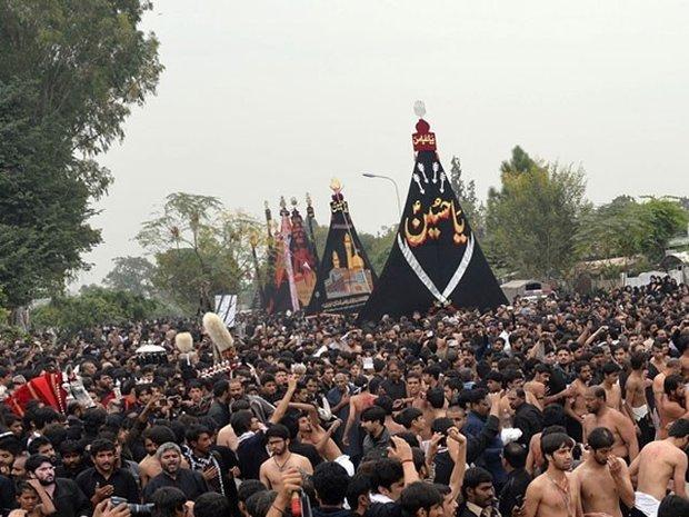 پاکستان اور ہندوستان میں یوم عاشورا آج مذہبی عقیدت و احترام کے ساتھ منایا جارہا ہے