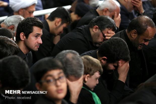 مراسم عزاداری شام غریبان حضرت اباعبدالله الحسین (علیهالسلام)، در حسینیهی امام خمینی (رحمهالله)