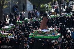 شکوه تشییع نمادین شهدای کربلا در قزوین