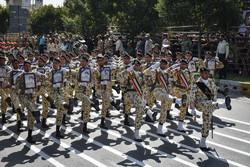 رژه نیروهای مسلح اصفهان به مناسبت هفته دفاع مقدس برگزار شد