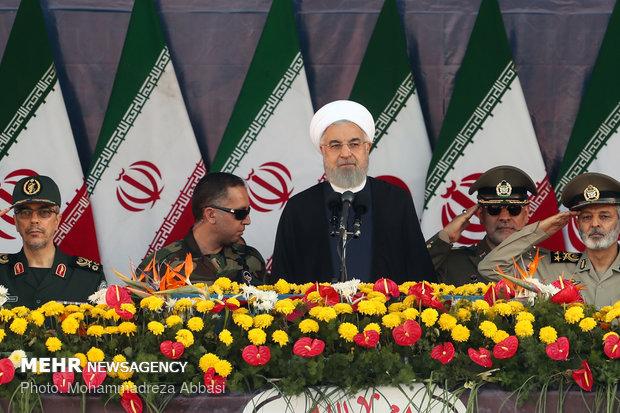 روحاني: امريكا ستهزم في حربها الاقتصادية ونحن اليوم ندرك أكثر أهمية قدراتنا الصاروخية