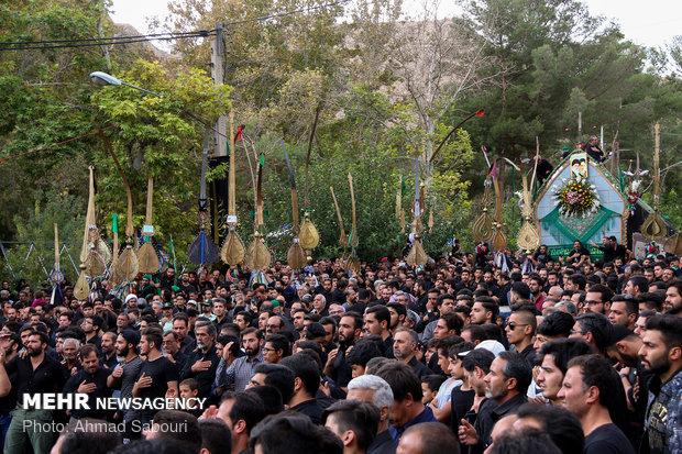 آیین سنتی نخل گردانی ۱۱محرم در شاهرود