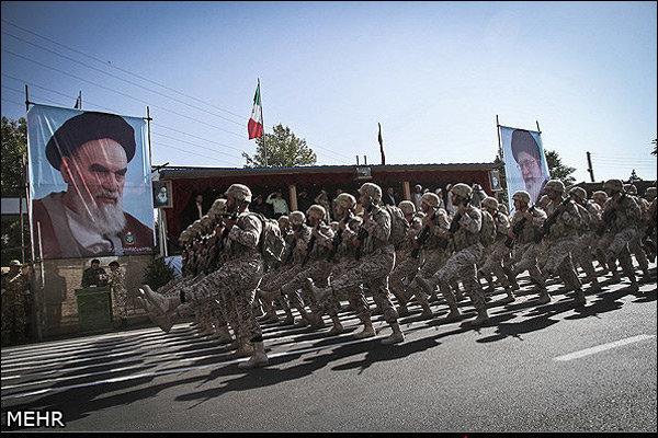 رژه نیروهای مسلح استان بوشهر برگزار شد
