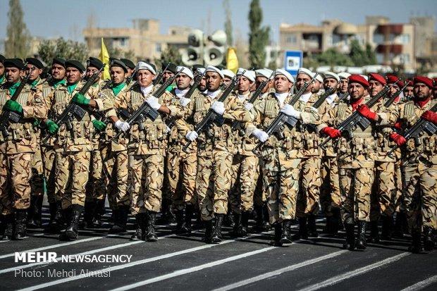 رژه ۳۱ شهریور نیروهای مسلح در زنجان
