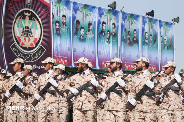 رژه ۳۱ شهریور نیروهای مسلح در تبریز