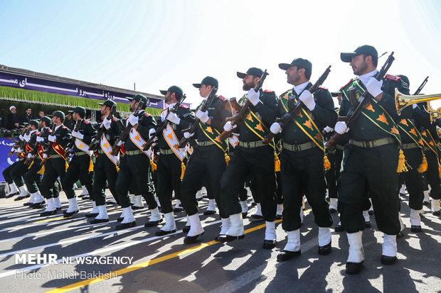 رژه 31 شهریور نیروهای مسلح در قم