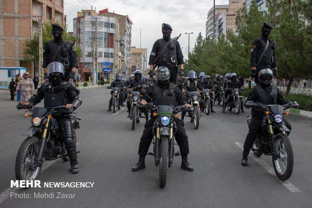رژه ۳۱ شهریور نیروهای مسلح در ارومیه