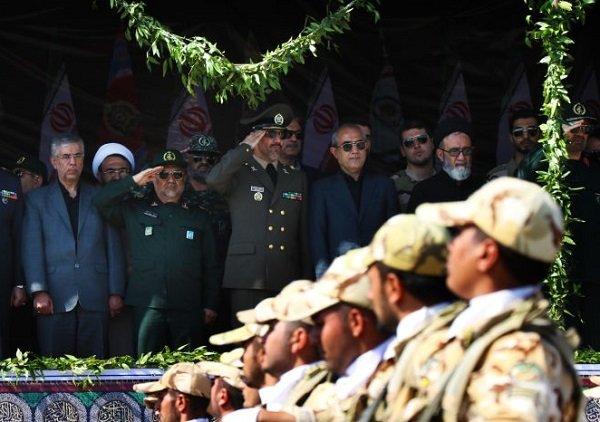 قدردان رشادتهای نیروهای مسلح هستیم/ ملت با استکبار سازش نمیکند