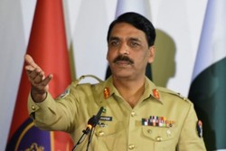 Pakistani Army vows increased coop. with Iran to prevent terror attacks