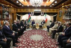 وزيرا الداخلية الإيراني والأذربيجاني يبحثان التعاون الثنائي