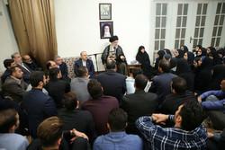 قائد الثورة الاسلامية يستقبل حملة ميداليات البعثة الايرانية للألعاب الآسيوية 2018 /صور