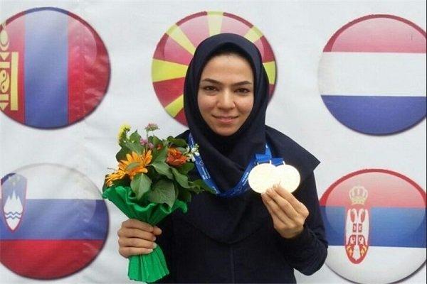 بانوی شیرازی قهرمان جهان مدال خود را به حرم مطهر رضوی اهدا کرد