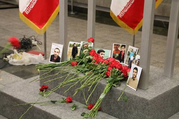 برگزاری مراسم گرامیداشت یاد شهدای حادثه تروریستی اهواز در مترو