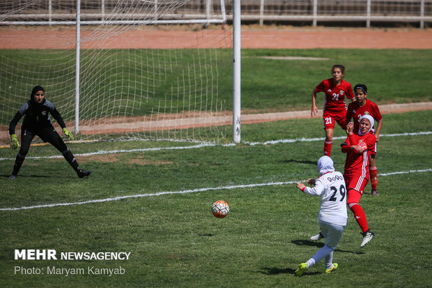 Iran-Jordan women play friendly match