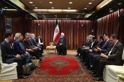 روحاني يلتقي رئيس اللجنة الاولمبية الدولية