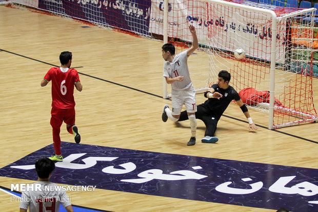 Iran vs Japan futsal match in intl. tournament