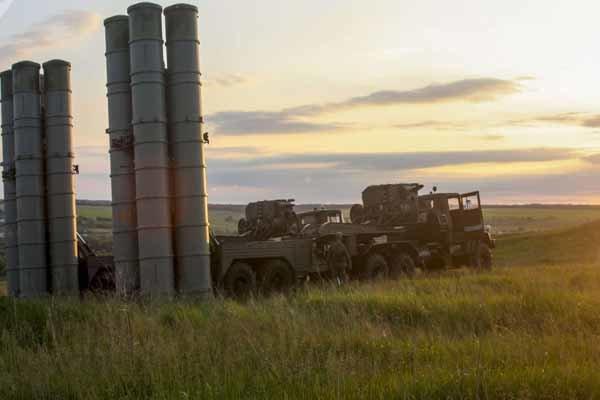 روسيا تنشر صور منظومة الصواريخ المضادة للطيران إس-300