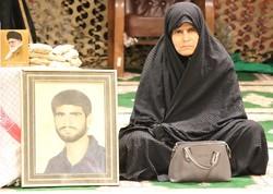 تجلیل رئیس بنیاد شهید از مادران و همسران شهدا