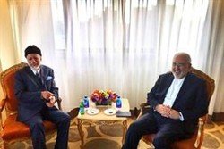 FM Zarif meets Omani counterpart in New York