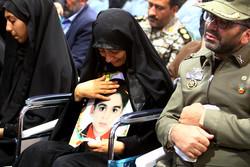 """تشييع أصغر شهداء حادث الأهواز الإرهابي الشهيد """"محمد طاها""""  /صور"""