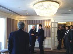 ظريف يتباحث مع نظيره القطري حول القضايا الثنائية والاقليمية