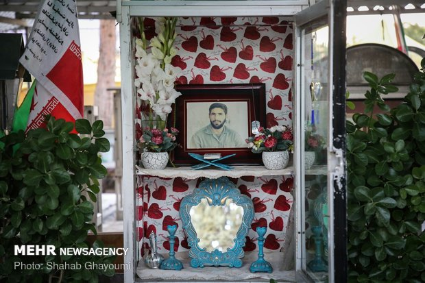 غبارروبی گلزار شهدای بهشت زهرا