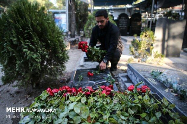 تنظيف وتعطير مقابر الشهداء في جنة الزهراء