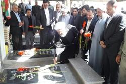 امامجمعه جدید پلدختر به مقام شامخ شهدای این شهر ادای احترام کرد