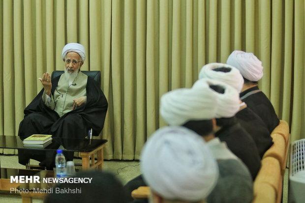 لقاء رئيس منظمة الإعلام الإسلامي حجة الإسلام محمد قمي مع مراجع الدين في مدينة قم