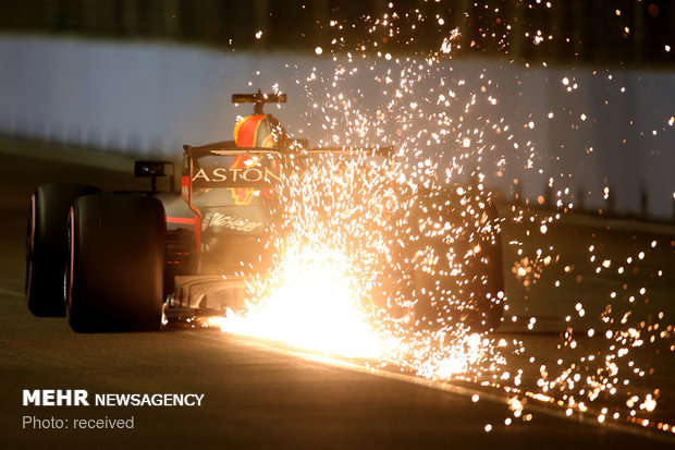 جرقه های آتش در مسابقات فرمول یک