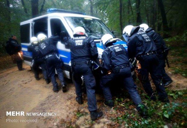 اعتراض به تخریب جنگل در آلمان