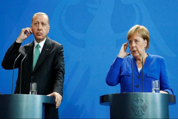 مرکیل کا ترکی میں انسانی حقوق کی صورت حال پر تحفظات کا اظہار
