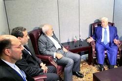 ظريف يبحث مع نظيره السوري الأزمة السورية وقضايا المنطقة
